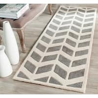 Safavieh Handmade Chatham Dark Grey/ Ivory Wool Rug - 2'3 x 9'
