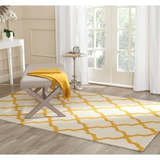 Safavieh Handmade Cambridge Ivory/ Gold Wool Rug (11' x 15')