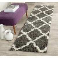 Safavieh Dallas Shag Dark Grey/ Ivory Trellis Rug (2'3 x 8')