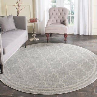 Safavieh Indoor/ Outdoor Amherst Light Grey/ Ivory Rug (9' Round)