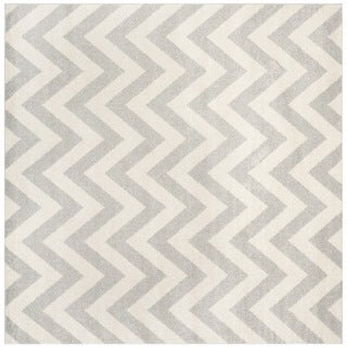 Safavieh Indoor/ Outdoor Amherst Light Grey/ Beige Rug (9' Square)