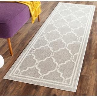 Safavieh Indoor/ Outdoor Amherst Light Grey/ Ivory Rug (2'3 x 15')