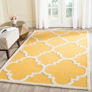 Safavieh Handmade Cambridge Gold/ Ivory Wool Rug (10' x 14')