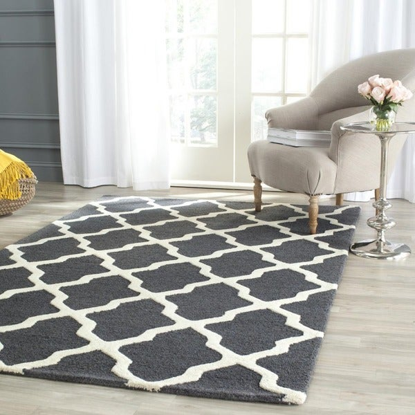 Safavieh Handmade Cambridge Dark Grey/ Ivory Wool Rug (10' x 14')