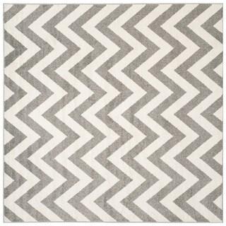 Safavieh Indoor/ Outdoor Amherst Dark Grey/ Beige Rug (9' Square)