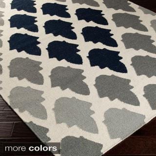 Hand-woven Larae Flatweave Wool Rug (2' x 3')