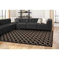 "Geometric Square Lattice Rug (6'7 x 9'6) - 6'7"" x 9'6"""