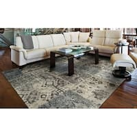 Couristan Easton Camilla Antique Cream- Grey Area Rug - 7'10 x 11'2