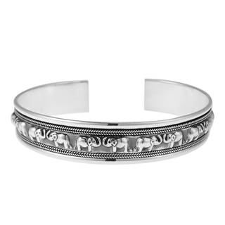 Handmade Lovable Couple Face to Face Elephant Sterling Silver Cuff (Thailand)