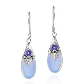 Handmade Gorgeous Moonstone Teardrop Sterling Silver Dangle Earrings (Thailand)