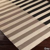 Hand-woven Ferrara Flatweave Striped Wool Area Rug - 8' x 11'