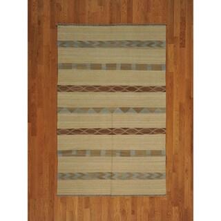 Hand-woven Flat Weave Ivory Anatolian Kilim Wool Rug (5' x 8')
