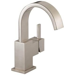 Delta Vero Single-handle Centerset Bathroom Faucet in Brilliance Stainless