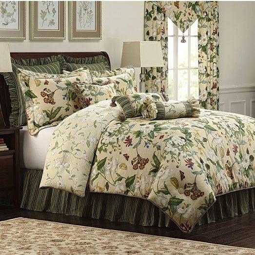 CW Williamsburg Garden Images 4-piece Comforter Set (King...