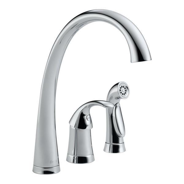 Delta Pilar Single Handle Kitchen Faucet with Spray 4380-DST Chrome