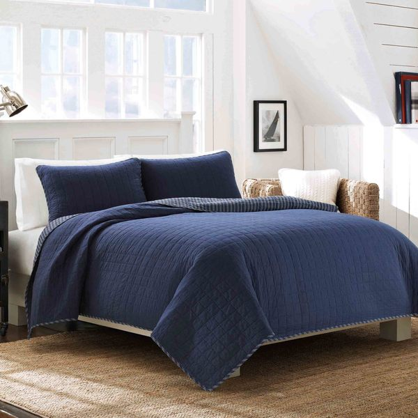 Perfect Nautica Maywood Navy Reversible Cotton Quilt Set