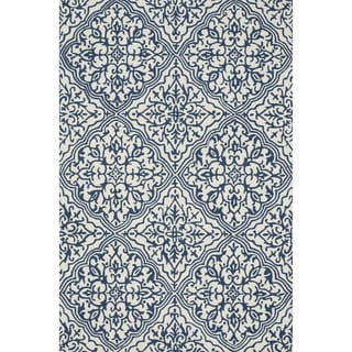 "Hand-hooked Charlotte Ivory/ Blue Rug (3'6 x 5'6) - 3'6"" x 5'6"""