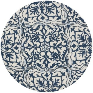 Hand-hooked Charlotte Ivory/ Blue Round Rug (3'0 Round)