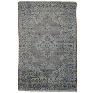 Silver Wash Hand-knotted Rayon from Bamboo-silk Heriz Rug (6' x 9')