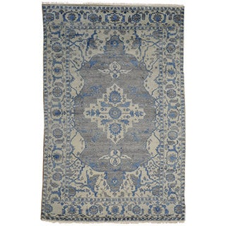 Hand-knotted Silver Wash Rayon from Bamboo-silk Heriz Rug (6' x 9')