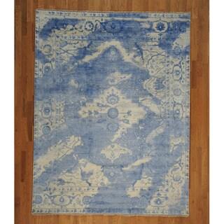 Rayon from Bamboo-Silk Blue Broken Design Heriz Rug (7'8 x 10')