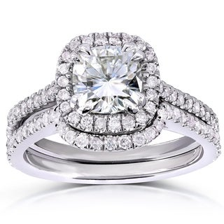 Annello by Kobelli 14k White Gold 1 3/5ct TGW Cushion-cut Moissanite (HI) and Diamond Halo Bridal Rings Set (2 Piece Set)