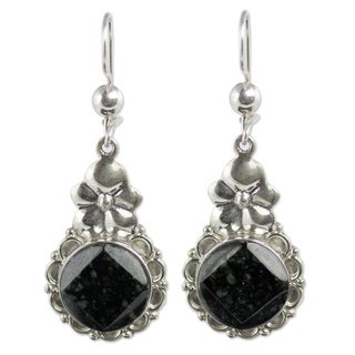 Handcrafted Sterling Silver 'Dark Blossom' Jade Earrings (Guatemala)