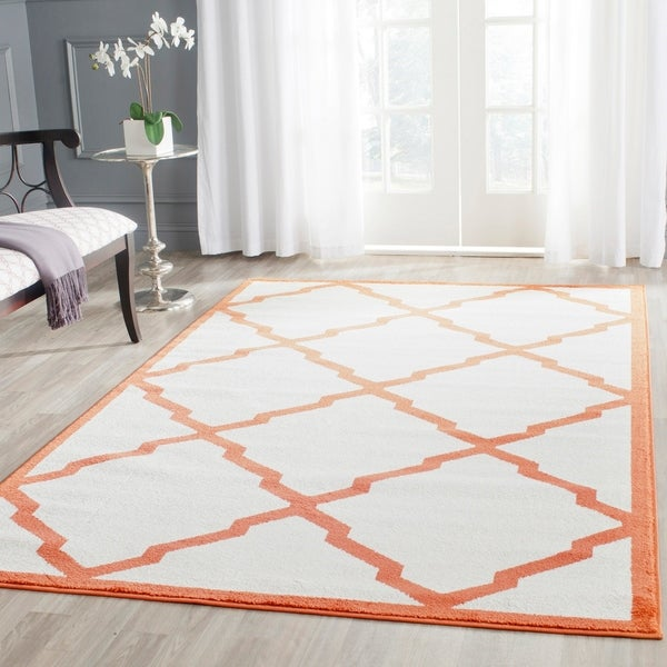 Safavieh Indoor/ Outdoor Amherst Beige/ Orange Rug - 8' x 10'