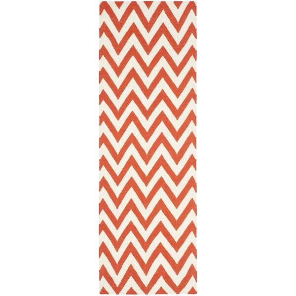 Safavieh Hand-woven Chevron Dhurries Red/ Ivory Wool Rug - 2'6 x 8'