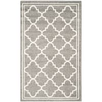 Safavieh Indoor/ Outdoor Amherst Dark Grey/ Beige Rug - 2'6 x 4'
