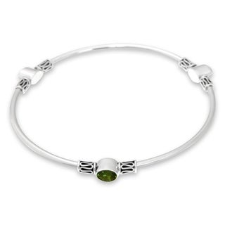Peridot Sterling Silver 'Harmony Of Three' Bangle Bracelet (Large) (Indonesia)