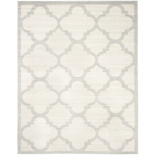 Safavieh Indoor/ Outdoor Amherst Beige/ Light Grey Rug (8' x 10')