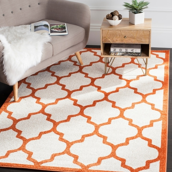 Safavieh Indoor/ Outdoor Amherst Beige/ Orange Rug - 9' x 12'