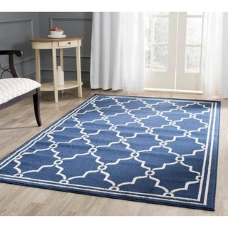 Safavieh Indoor/ Outdoor Amherst Navy/ Beige Rug (9' x 12')