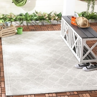 Safavieh Indoor/ Outdoor Amherst Light Grey/ Beige Rug (9' x 12')