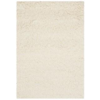 Safavieh Handmade Flokati Ivory Wool Rug - 2'6 x 4'
