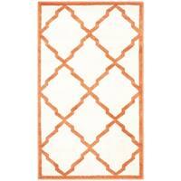 Safavieh Indoor/ Outdoor Amherst Beige/ Orange Rug - 2'6 x 4'