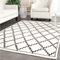 Safavieh Hand-knotted Moroccan Mosaic Beige/ Charcoal Wool/ Viscose Rug - 8' x 10'