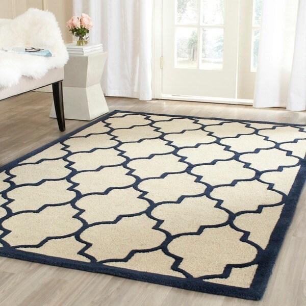 Safavieh Handmade Moroccan Cambridge Ivory/ Navy Wool Rug (9' x 12')