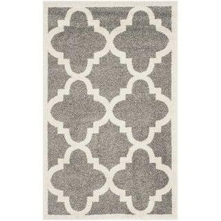 Safavieh Indoor/ Outdoor Amherst Dark Grey/ Beige Rug (2'6 x 4')
