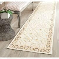 Safavieh Hand-hooked Newport Taupe/ Beige Cotton Rug (2'3 x 10')