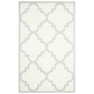 Safavieh Indoor/ Outdoor Amherst Beige/ Light Grey Rug (6' x 9')