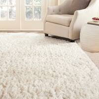 Safavieh Handmade Arctic Shag White Polyester Rug - 4' x 6'