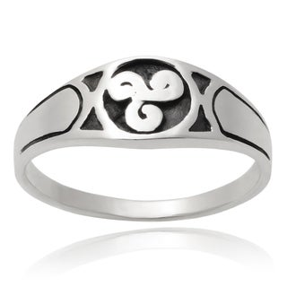 Journee Collection Sterling Silver Celtic Ring