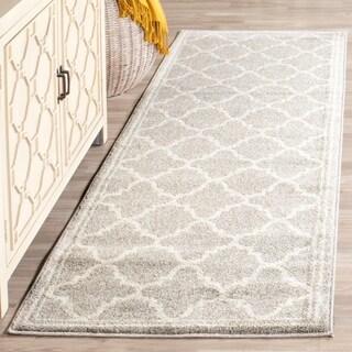 Safavieh Indoor/ Outdoor Amherst Light Grey/ Beige Rug (2'3 x 9')