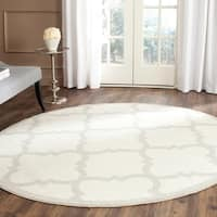 Safavieh Indoor/ Outdoor Amherst Beige/ Light Grey Rug - 7' Round