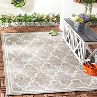 Safavieh Indoor/ Outdoor Amherst Dark Grey/ Beige Rug (8' x 10')