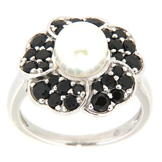 Pearlz Ocean Sterling Silver White Freshwater Pearl and Black Spinel Petal Ring (7-8 mm)