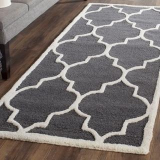 Safavieh Handmade Moroccan Cambridge Dark Grey/ Ivory Wool Rug (2' 6 x 6')