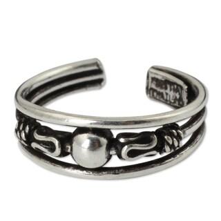 Handmade Sterling Silver 'Moonwalk' Toe Ring (Thailand)